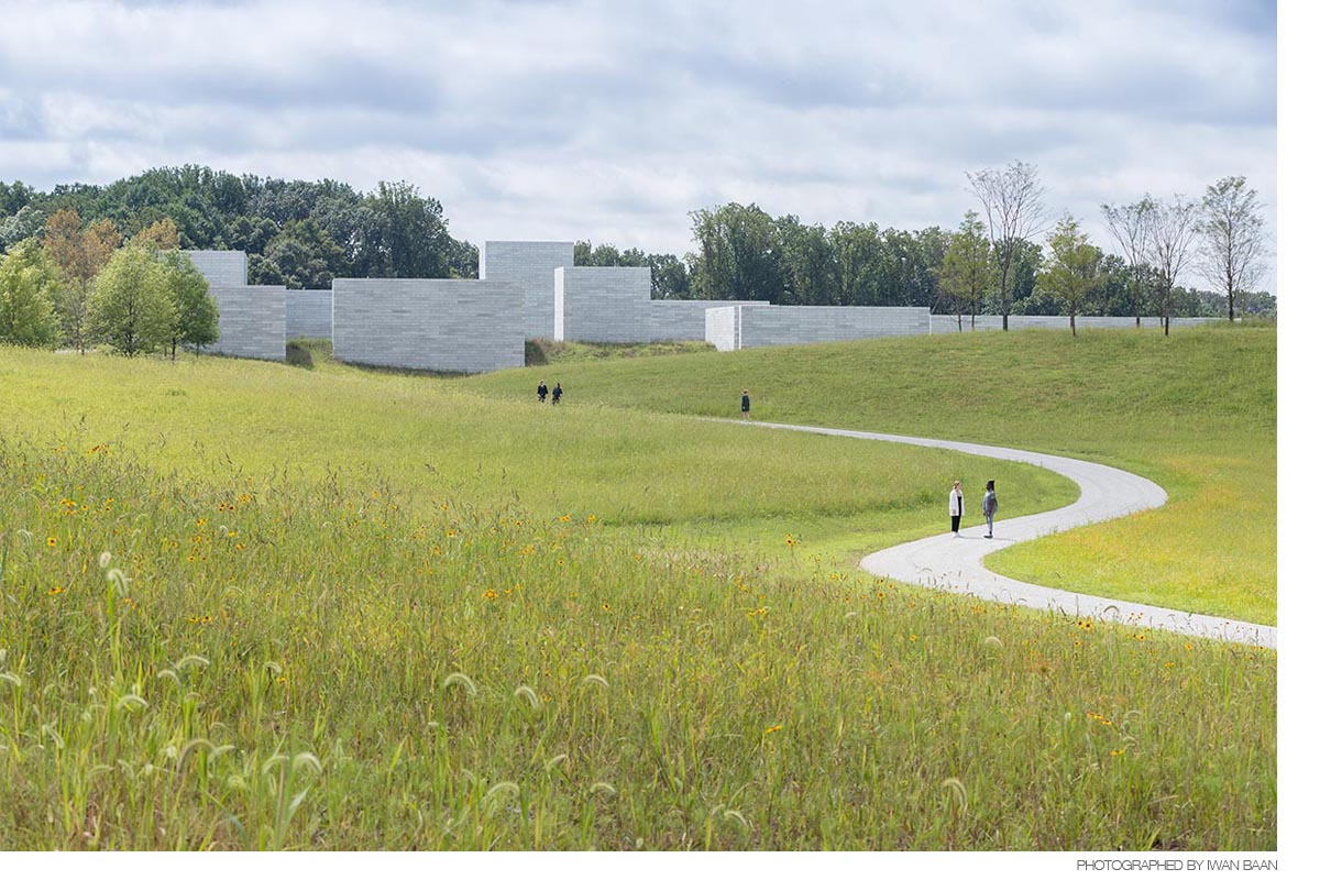1_Approach-to-the-Pavilions_Iwan-Baan_Glenstone-Museum-1.jpg